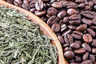 Kaffee und Tee in der Naturkosmetik